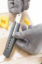 Stanley műanyagházas kés 18mm (0-10-151)